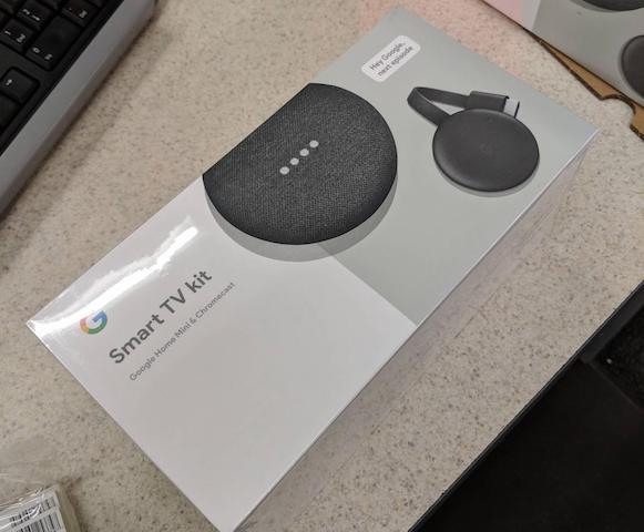 """حزمة """" Smart TV Kit """" من جوجل تأتي مع جهاز Chromecast الجديد"""